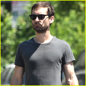 Tobey Maguire Shows Off Fit Physique Heading to the Gym