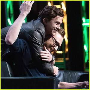 Tom Hiddleston Gets a Big Hug from Tom Holland at ACE Comic Con!