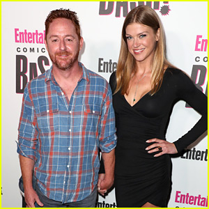 The Orville's Adrianne Palicki & Scott Grimes Hold Hands at Comic-Con!