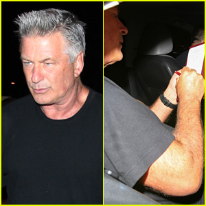 Alec Baldwin Seemingly Forgets to Pay His Restaurant Bill!