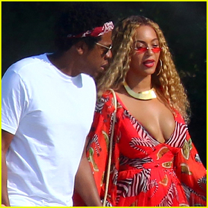 Beyonce & Jay-Z Take a Stroll Together in France!