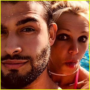Britney Spears Keeps Cool in the Pool With Boyfriend Sam Asghari!