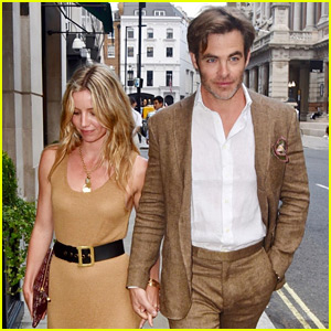 Chris Pine & Annabelle Wallis Hold Hands, Look So Cute Together in London!