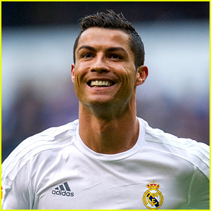 Cristiano Ronaldo Leaving Real Madrid, Signs with Italy's Juventus