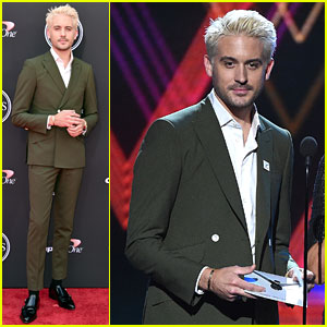 G-Eazy Debuts New Blonde Hairstyle at ESPYs 2018!