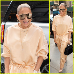 Jennifer Lopez Heads Out With Manager Benny Medina in NYC!