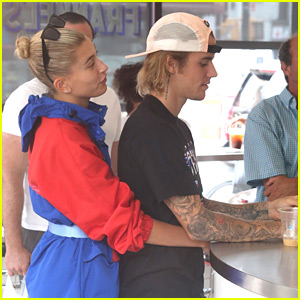 Justin Bieber & Hailey Baldwin Cuddle Up During a Deli Date!