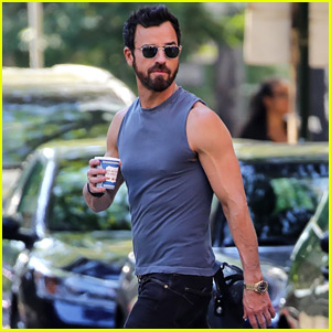 Justin Theroux Puts His Bulging Biceps on Display