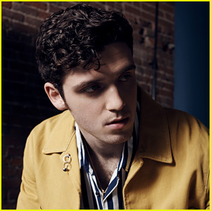 Lauv Opens Up About Success & Where 'Real Happiness' Comes From