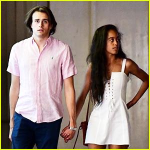 with hands obama holding Boyfriend