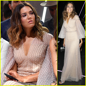Mandy Moore Goes Boho Angel for Ralph & Russo Fashion Show!