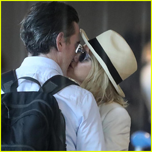 Naomi Watts & Boyfriend Billy Crudup Pack on the PDA in France!