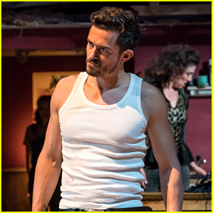 Orlando Bloom Stops Performance to Tell Audience Member to Put iPad Away