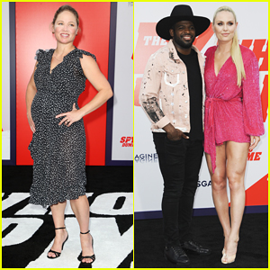 Pregnant Erika Christensen, Lindsey Vonn & More Step Out for 'The Spy Who Dumped Me' Premiere!