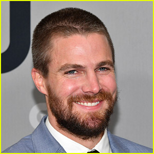 Stephen Amell Relays His Funny Interaction with a Very Confused Bartender