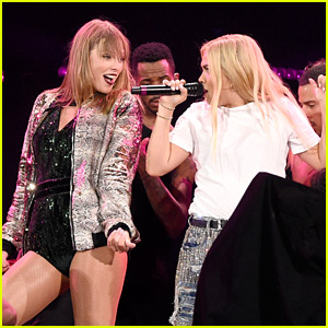 Taylor Swift Sings 'Curious' with Hayley Kiyoko at Boston Tour Stop! (Video)
