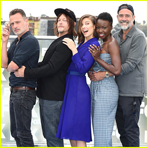 'Walking Dead' Cast Does a Classic Prom Pose at Comic-Con!