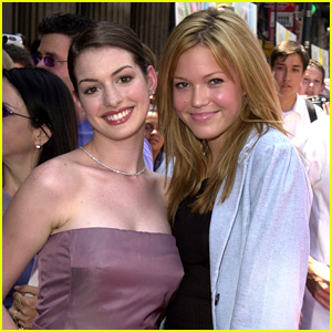 Anne Hathaway Wants to Reunite with Mandy Moore to Throw Ice Cream at Each Other!