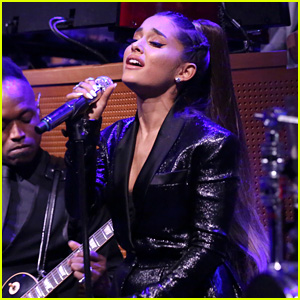 Ariana Grande Sings 'Natural Woman' as Tribute for Aretha Franklin on 'Fallon' (Video)