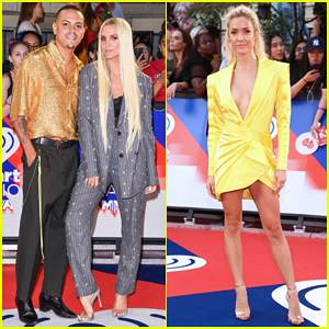 Ashlee Simpson & Evan Ross Couple Up at iHeartRadio MuchMusic Video Awards 2018!