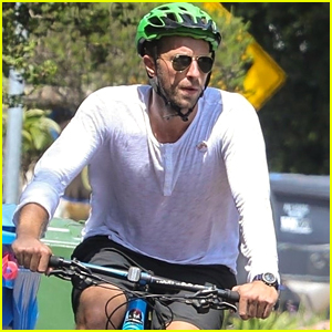 Chris Martin Kicks Off His Day with a Bike Ride!