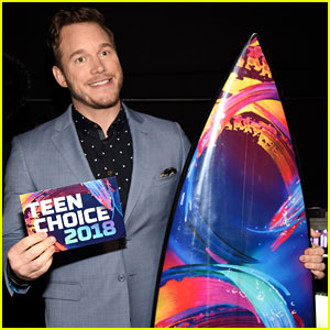 Chris Pratt Wins Choice Summer Movie Actor at Teen Choice Awards 2018!