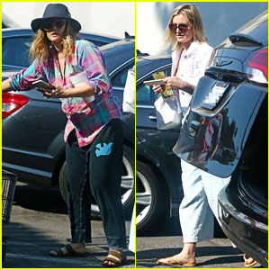 Drew Barrymore & Cameron Diaz Have 'Charlie's Angels' Reunion at the Grocery Store!