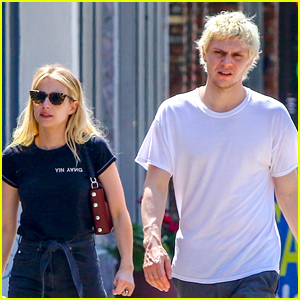 Emma Roberts & Evan Peters Couple Up for Lunch Date