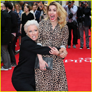 Emma Thompson Attempts to Lift a Shocked Hayley Atwell on the Red Carpet!