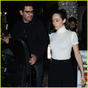 Emmy rossum dating in Perth