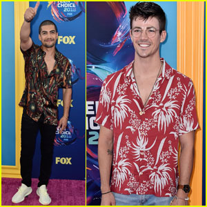 Grant Gustin & Rick Gonzalez Bring 'The Flash' & 'Arrow' to Teen Choice Awards 2018!