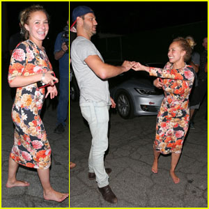 Hayden Panettiere Goes Barefoot After Dinner With a Mystery Man!