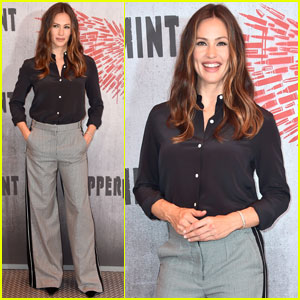 Jennifer Garner Supports Upcoming Flick 'Peppermint' at Photo Call in LA