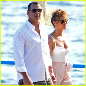 Jennifer Lopez & Alex Rodriguez Soak Up the Sun on Italian Vacation