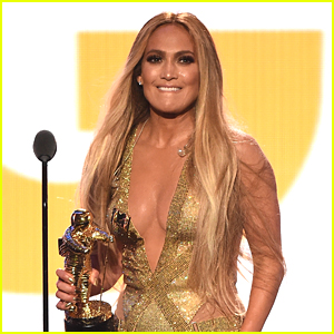 Jennifer Lopez Sends Love to 'Twin Soul' Alex Rodriguez During VMA Vanguard Award Speech