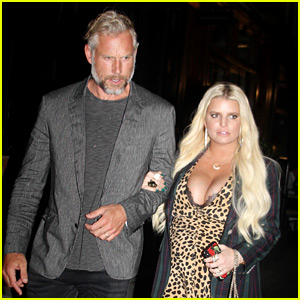 Jessica Simpson & Eric Johnson Have a Hot Date Night in NYC!