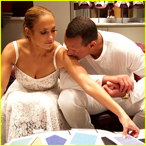 Jennifer Lopez & Alex Rodriguez Enjoy a Romantic Vacation in Italy!