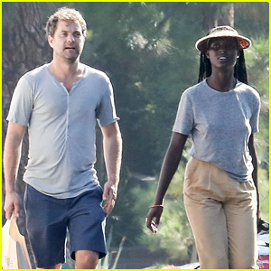 Joshua Jackson Walks Around Town, Runs Errands with a Friend