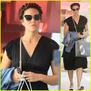 Mandy Moore Shows Off Her New Hairdo While Shopping in Beverly Hills!