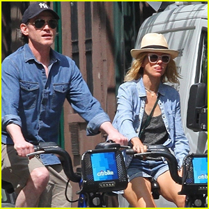 Naomi Watts & Billy Crudup Hit the Streets for Bike Ride in NYC