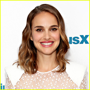 Natalie Portman to Play Twins 'Dear Abby' & 'Ann Landers' in Upcoming Movie She's Also Directing!