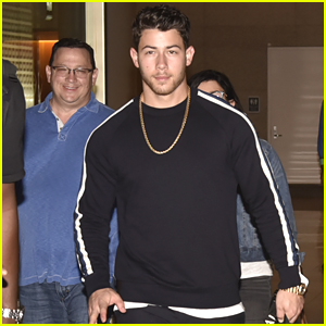 Nick Jonas Lands in India with His Parents to Meet Priyanka Chopra's Family!