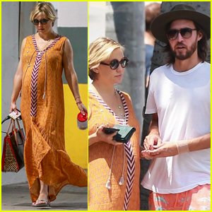 Pregnant Kate Hudson Steps Out for Lunch with Boyfriend Danny Fujikawa