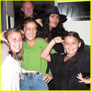 Salma Hayek & Daughter Valentina Strike a Pose After Dinner!