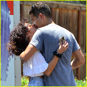 Sarah Hyland & Wells Adams Move In Together!