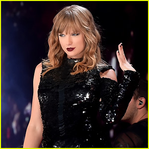 Taylor Swift Breaks Record for Highest-Grossing Tour Ever for a Female Artist!
