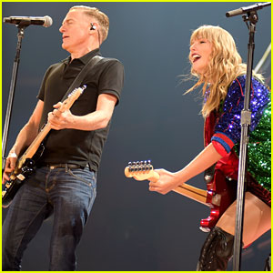 Taylor Swift 'Loses It' While Performing with Bryan Adams on 'Reputation Tour'