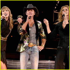 Taylor Swift Sings 'Tim McGraw' Live with the Real Tim McGraw & Faith Hill!