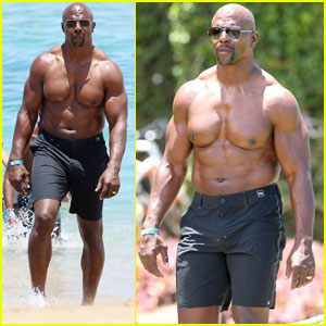 Terry Crews Shows Off Buff Body While Celebrating 50th Birthday on the Beach