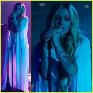 avril lavigne releases cover art for new album head above water